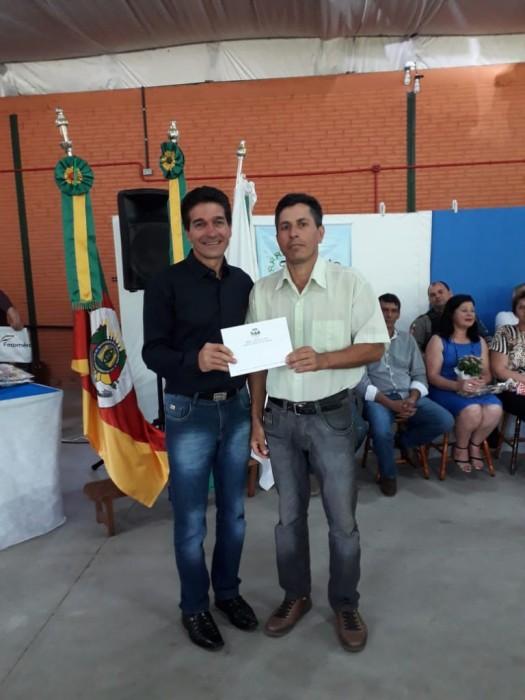 ALCIR DE MATOS DE MORAES- POPULAR SERESTEIRO É O VENCEDOR DO CONCURSO DO HINO OFICIAL DO MUNICÍPIO