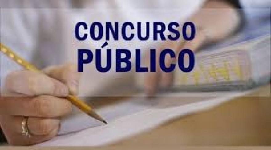 EDITAL DIVULGA INSCRIÇÕES DEFERIDAS PARA CONCURSO.